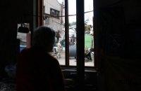 В Донецке слышны взрывы, шквальный ветер повредил линии электропередач
