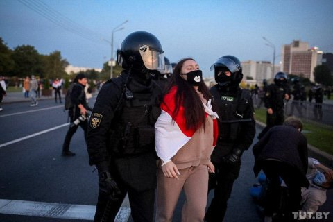 В Беларуси в воскресенье на акциях протеста задержали почти 600 человек
