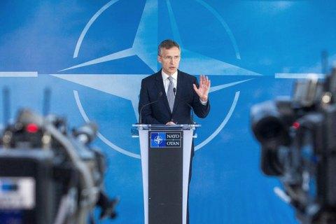 """Столтенберг відкинув заяви Трампа про """"застарілість"""" НАТО"""