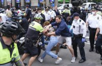 Во время протестов в США напали на украинскую журналистку