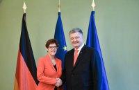 Порошенко в Германии обсудил с главой ХДС выборы президента и ситуацию в Крыму и на Донбассе
