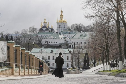 Києво-Печерська лавра проведе великодню службу у дворі перед храмом