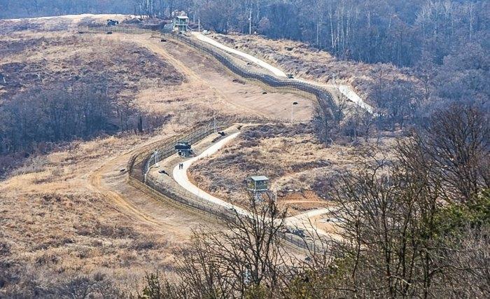 Демилитаризованная зона между КНДР и Южной Кореей