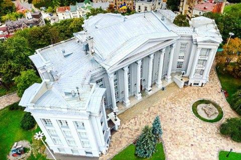 Національний музей історії України у суді вимагає знести незаконно збудовану каплицю на своїй території