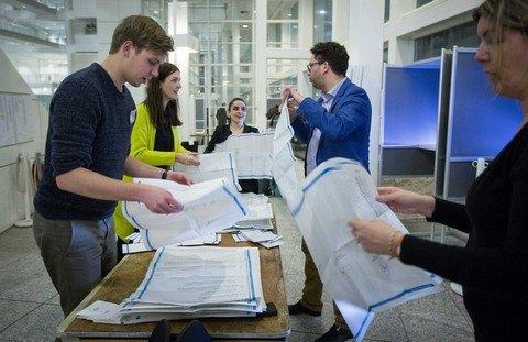 Нидерланды примут решение по ассоциации Украины с ЕС после 12 апреля