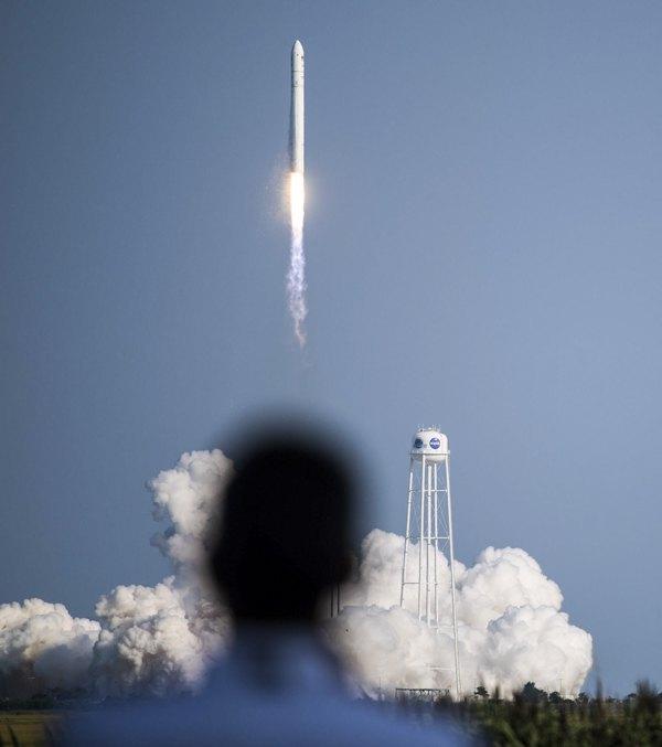 11 серпня із Центру космічних польотів на острові Воллопс (штат Вірджинія, США) відбувся другий у 2021 році пуск ракети-носія середнього класу «Антарес». Основну конструкцію першого ступеня рекети розробило ДП «КБ «Південне» на замовлення США.