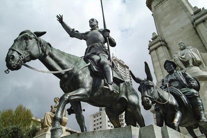 Мадрид. Памятник Дон Кихоту и Санчо Пансе.