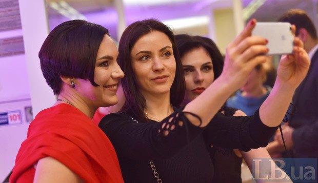 Слева направо: Соня Кошкина, Татьяна Даниленко и Кристина Бондаренко