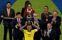 Футболист сборной Бразилии стал абсолютным рекордсменом по завоеванным трофеям