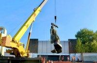 У Коломиї демонтували пам'ятник радянським воїнам