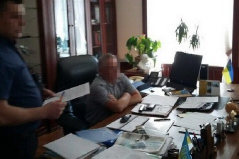 Т.в.о. ректора НАУ затримали під час отримання хабара