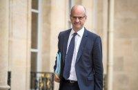 У Франції школярам хочуть заборонити користуватися мобілками