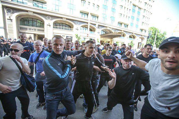 Андрій Ярошенко - праворуч