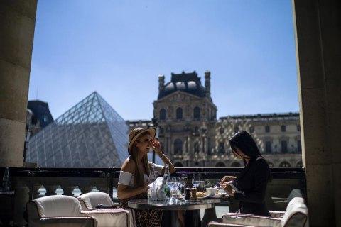 Французька економіка впала на рекордні 13,8% через коронавірус