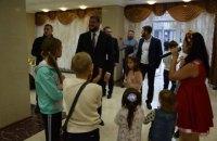 Делаем все, чтобы вы чувствовали нашу поддержку, - Алексей Савченко на встрече с семьями погибших военнослужащих