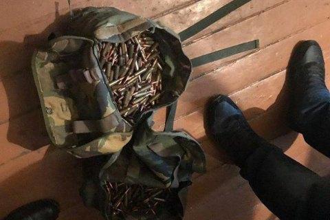 В Киеве задержали мужчину с рюкзаком патронов