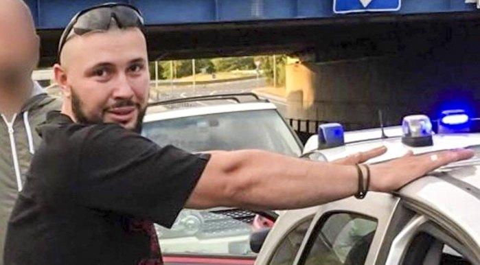 30 червня 2017 року в аеропорту Болоньї затримали командира відділення батальйону ім. Кульчицького Віталія Марківа