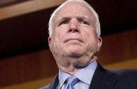 Маккейн: если будет насилие - последуют санкции