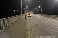 На Таращанському мосту лікар з Луганщини завдав перехожому 11 ударів ножем