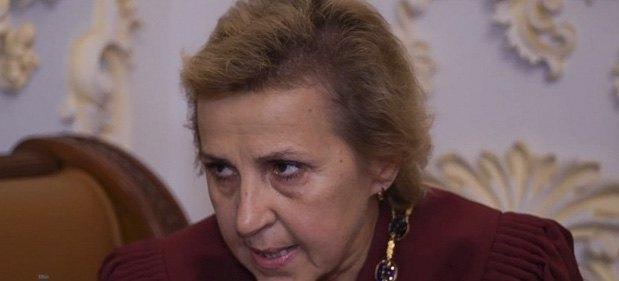 Суддя Тетяна Жайворонок спілкується з журналісткою НАШІ ГРОШІ
