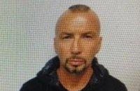 """Росіянин, який перебував у розшуку, втік дорогою з аеропорту """"Бориспіль"""" в ізолятор"""