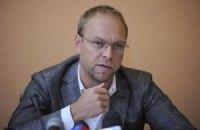 Власенко просить порушити кримінальну справу через інцидент із зеленкою