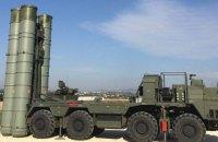 МінТОТ: Росія стягує в Крим військову техніку, щоб блокувати до нього доступ