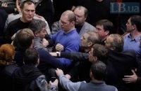 """В ВР едва не побили """"регионала"""" Грушевского, который предложил перенести заседание"""