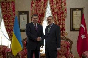 К Януковичу летит турецкий премьер