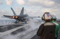 Яценюк побывал на американском атомном авианосце