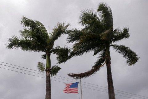 """В американском городе Новый Орлеан объявили эвакуацию из-за приближения шторма """"Нейт""""."""