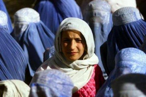 """Таліби вважають, що афганські жінки мають залишатися вдома """"з міркувань безпеки"""""""