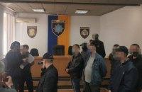 Вісьмох поліцейських судитимуть за те, що вони змушували людей чинити злочини, щоб потім їх розкривати