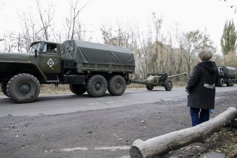 За день боевики 17 раз обстреляли позиции сил АТО