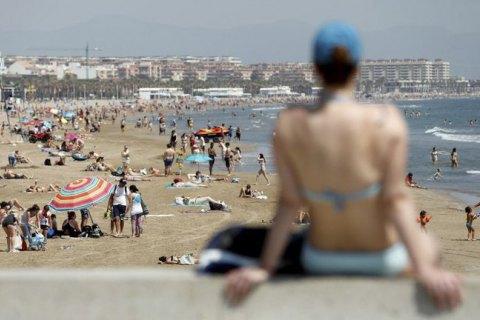 В Испании маски обязали носить даже на пляже
