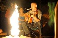 В Симферополе около Вечного огня пели ругательные песни