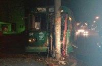 Пьяный одессит угнал троллейбус и врезался в столб