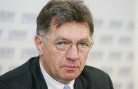 Азарову не сообщили причины отмены визита литовского премьера