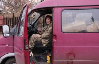 """Волонтер """"мама Лена"""" сумела перехитрить боевиков и избежала плена"""
