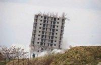 """Севастопольська """"Пізанська вежа"""" стоятиме до ранку суботи"""