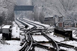 Снегопад нарушил транспортное сообщение в некоторых частях Великобритании