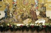 Порошенко подарил вертеп церкви УПЦ КП
