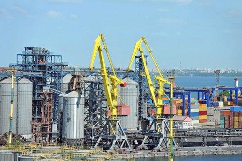 Чотири українські порти обмежили роботу через дощ