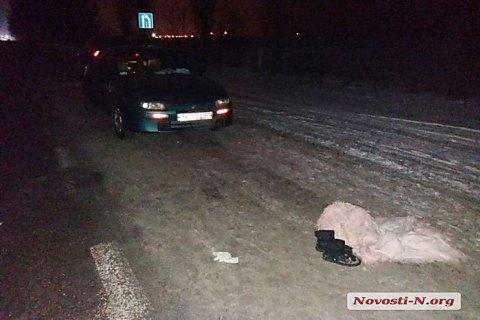 Под Николаевом пьяная 13-летняя девочка угодила под автомобиль, возвращаясь с дискотеки