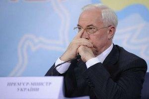 Азаров визнав проблеми з якістю сирів в Україні