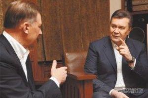 Янукович обвинил Левочкина в разгоне студентов на Майдане