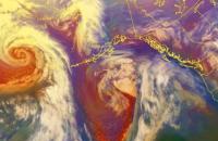 В Беринговом море бушует сверхмощный шторм с 18-метровыми волнами