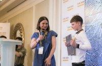 """""""Донбасс и Мирные"""": больше всего помощи мирным жителям Донбасса оказывает Штаб Рината Ахметова"""