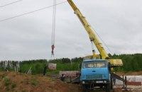 Под Киевом подъемный кран раздавил двух рабочих