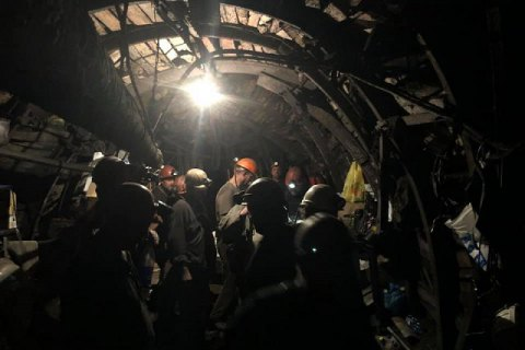 На шахте им. Сташкова в Днепропетровской области при пожаре пострадали 6 горняков (обновлено)